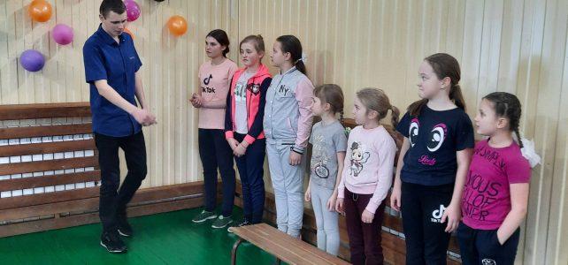 Соревнования «А, ну ка девочки!»